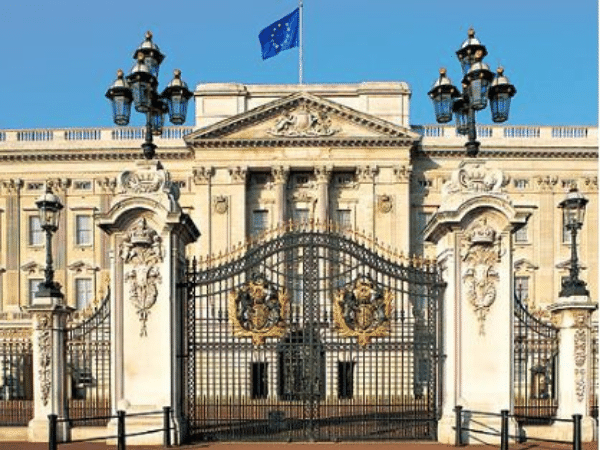 Exterior view of Buckingham Palace